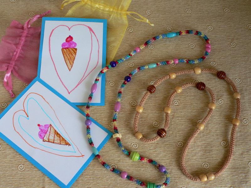 ιδέες δώρων για δασκάλες κολιέ icord