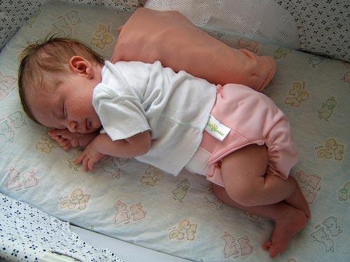 Μωράκι με υφασμάτινη πάνα!